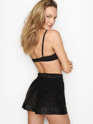 Candice-Swanepoel-in-Victoria's-Secret-Photoshoot-December-2019-19