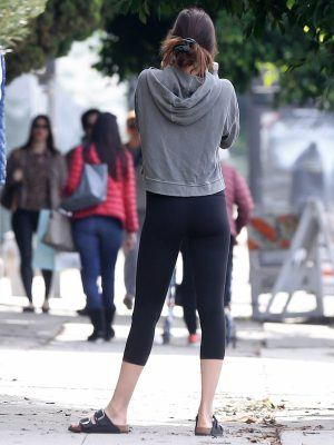 Dakota Johnson Booty, Outside a Yoga Class in Studio City