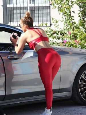 Jennifer Lopez Booty in Red Tights and Cameltoe Outside a Gym in Miami