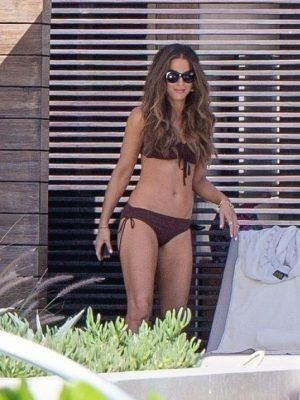 Kate Beckinsale in Bikini at a Pool in Los Cabos
