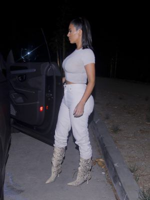Kim Kardashian Booty in White Jeans, Out in Los Angeles
