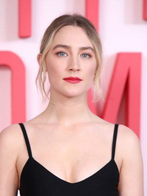 "Saoirse Ronan at ""Little Women"" Evening Photocall at the Soho Hotel in London"
