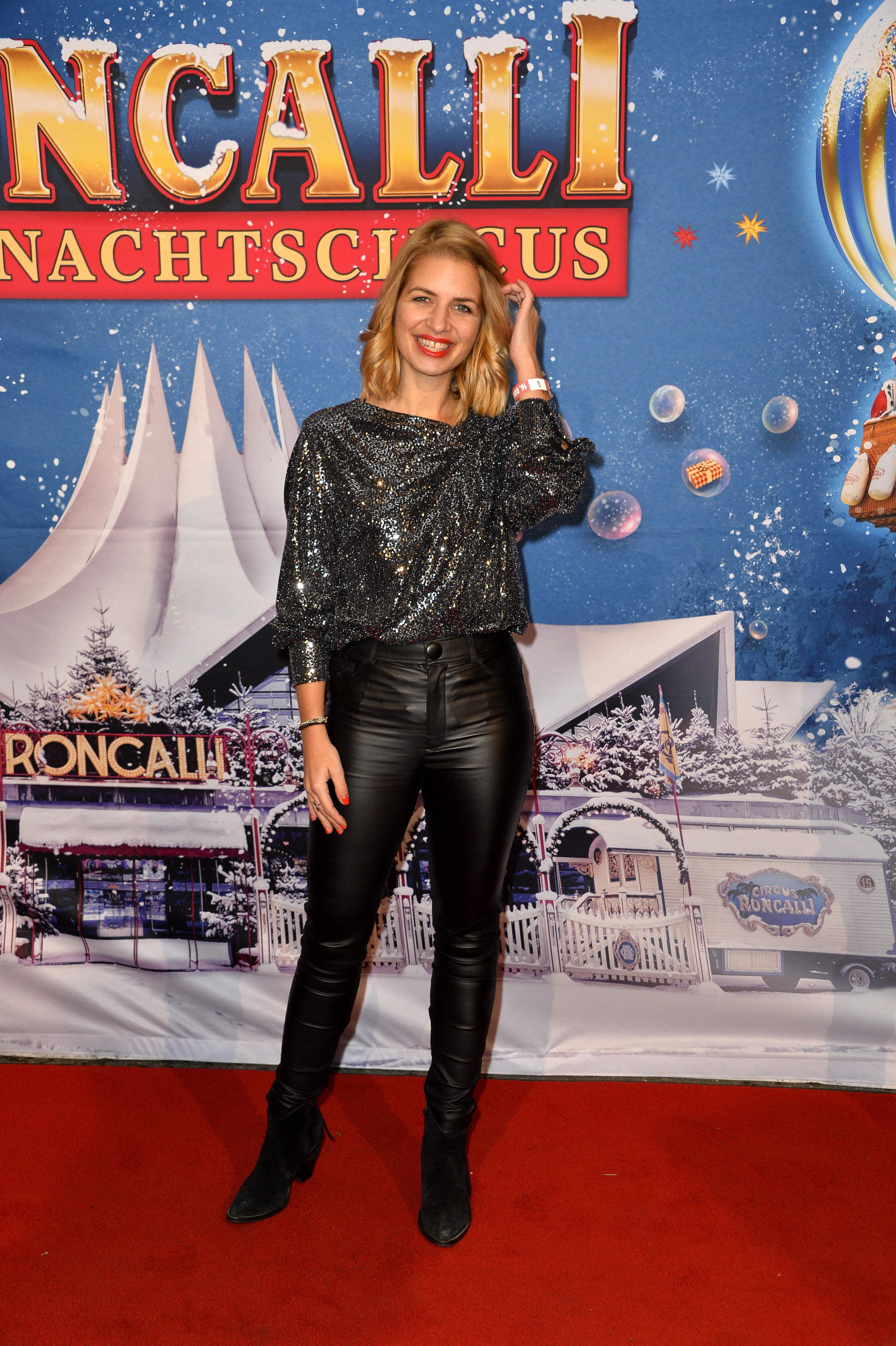 Susan Sideropoulos - Roncali Christmas Circus in Berlin