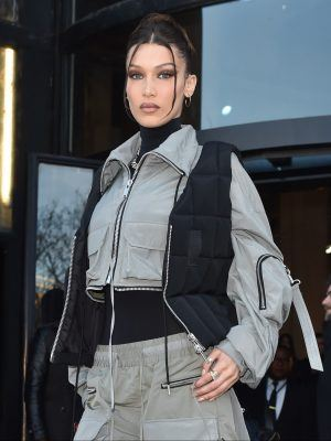 Bella Hadid Arrive at the Palais De Tokyo for Mens Fashion Week 2020 in Paris