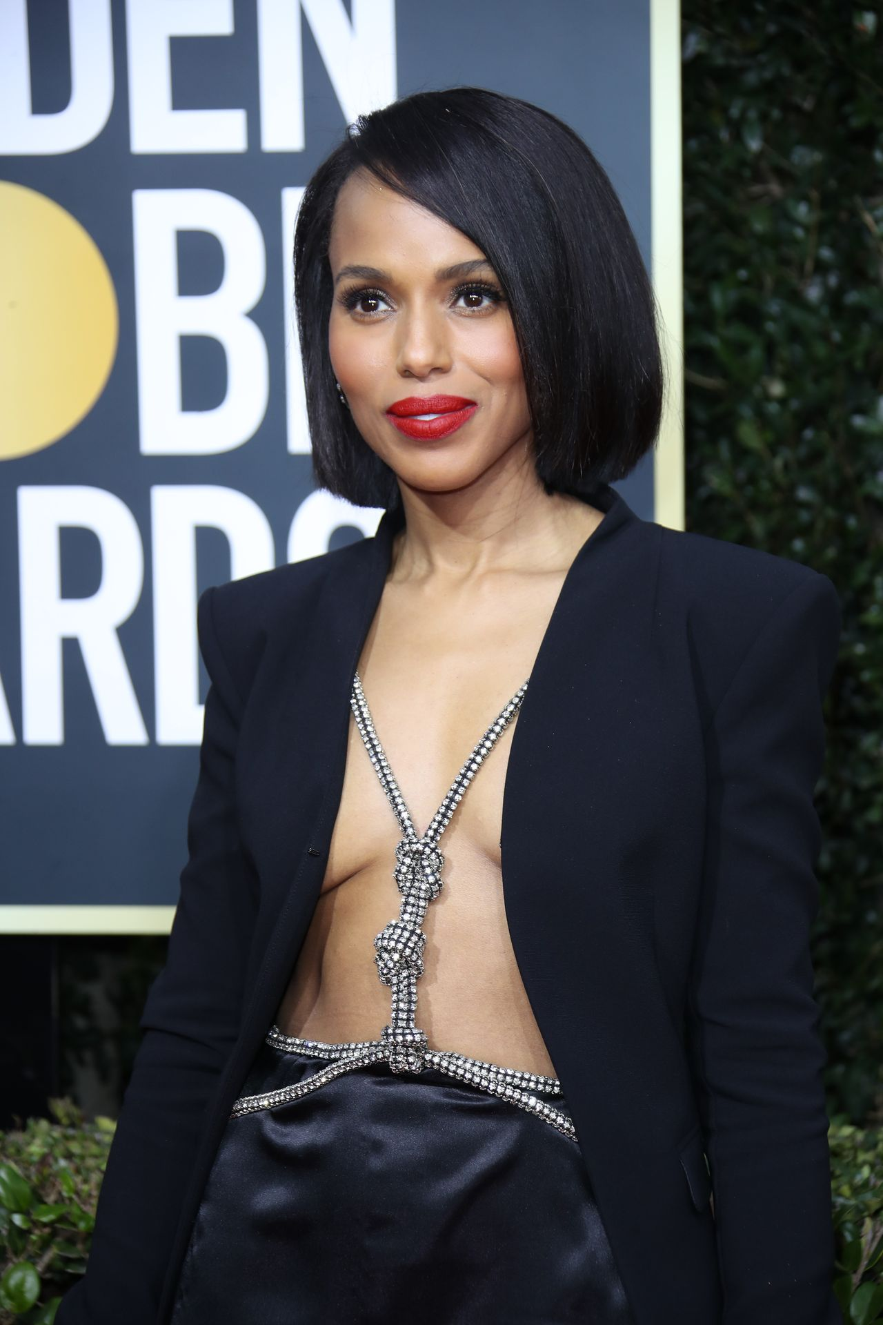 Kerry Washington Braless at Golden Globe Red Carpet 2020