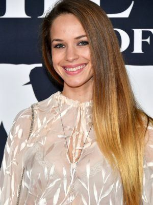 """Alexis Knapp at the Premiere of """"The Call Of The Wild"""" in Los Angeles"""