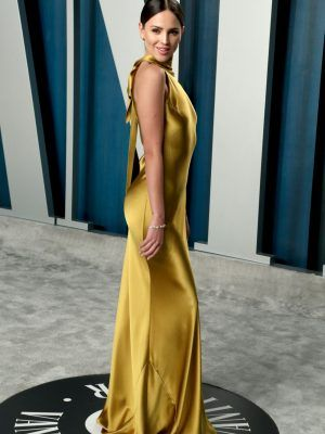 Eiza Gonzalez Booty in Tight Golden Dress at 2020 Vanity Fair Oscar Party in Beverly Hills
