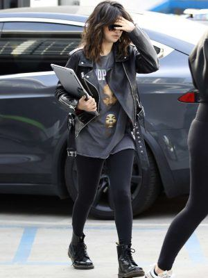 Selena Gomez Arrives at Nine Zero One Salon in West Hollywood