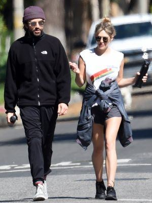 Elizabeth Olsen Out with Robbie Arnett in Sherman Oaks