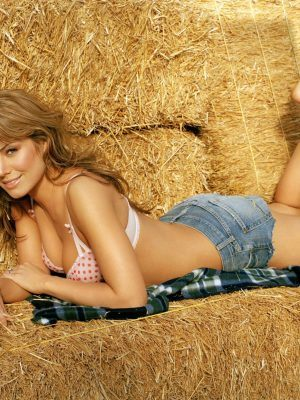 Erica Durance in Underwear for FHM Magazine 2006 Photoshoot