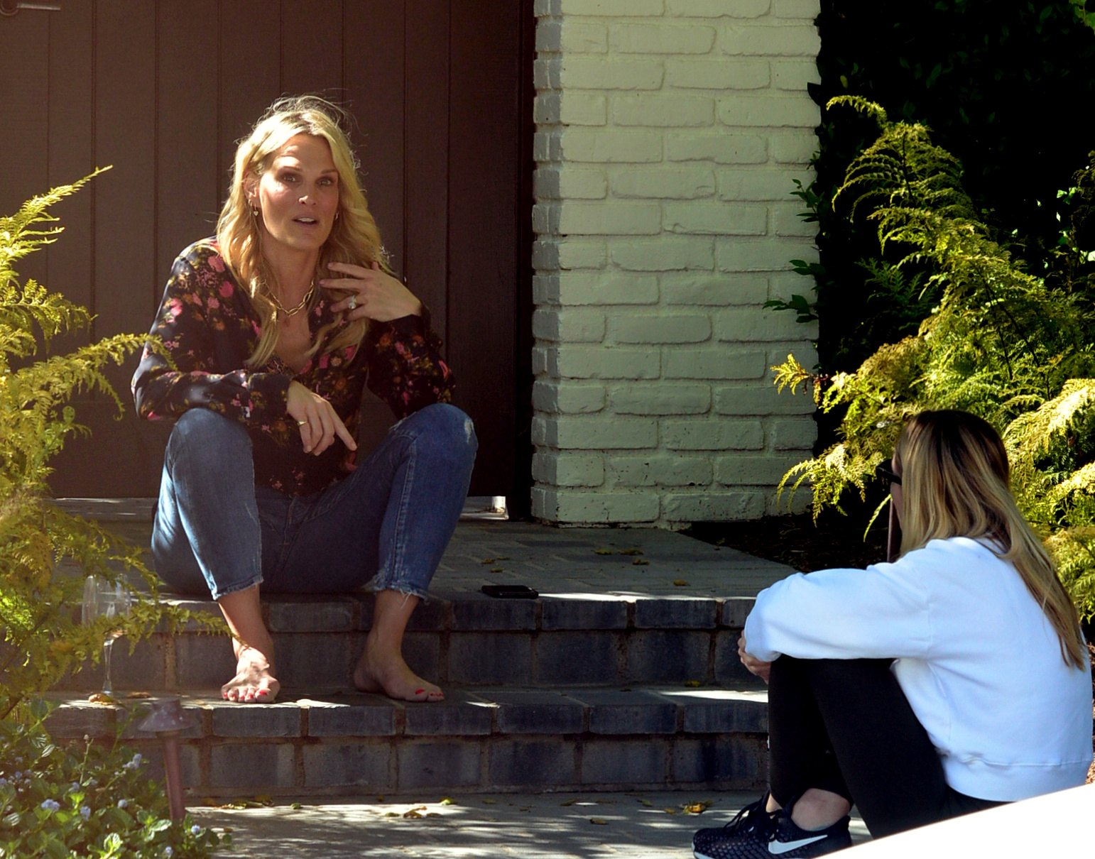 Molly Sims Outside her House in Pacific Palisades