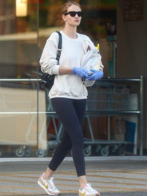 Rosie Huntington-Whiteley Shopping at Rite Aid in LA