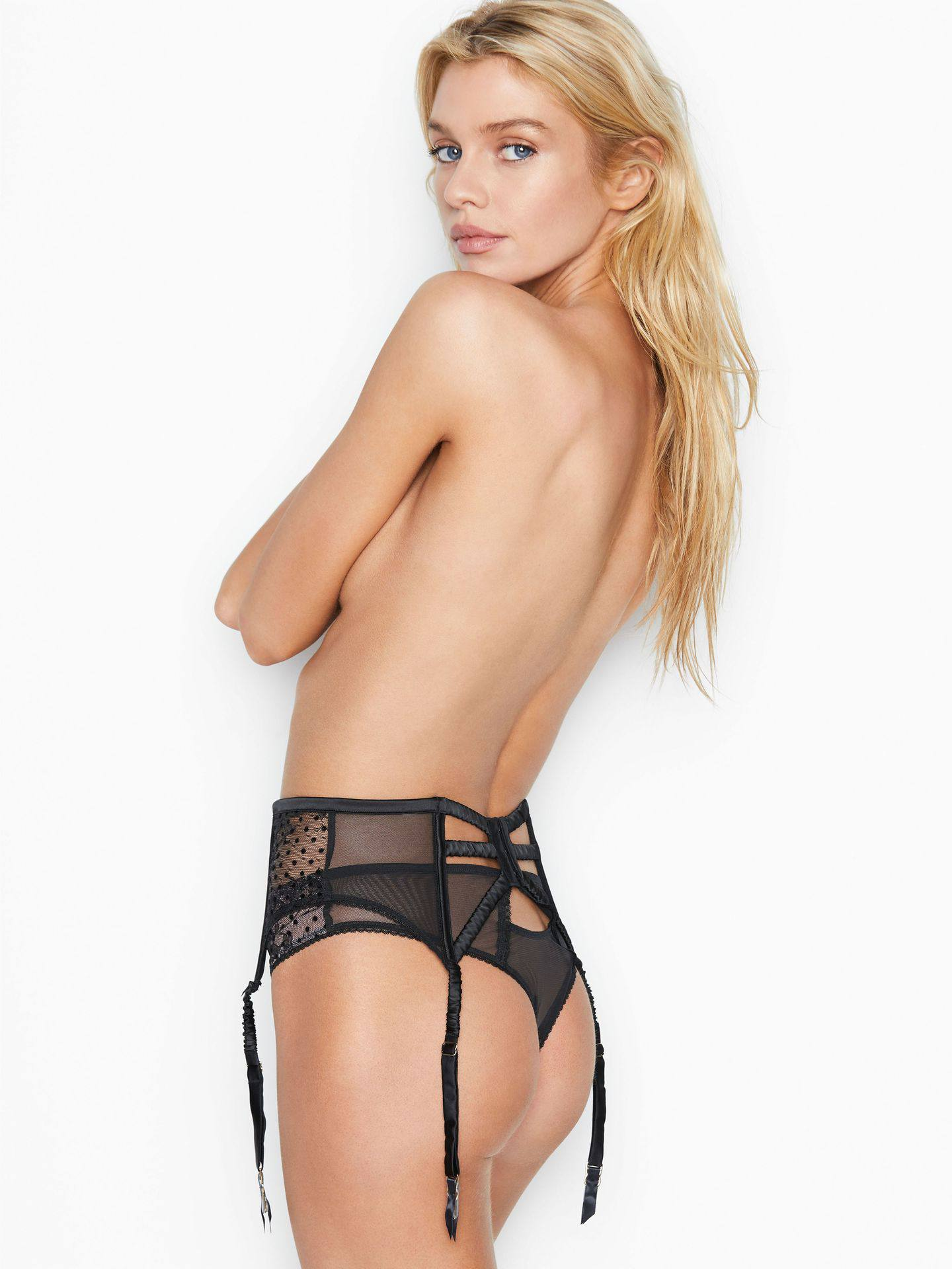 Stella Maxwell Ass in Victoria's Secret Photoshoot - March 2020