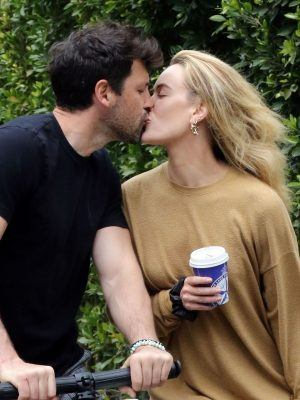 Peta Murgatroyd and Maksim Chmerkovskiy Show PDA during Lockdown in LA