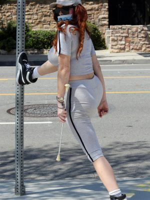 Phoebe Price Ass, Working Out in Regardless of the Coronavirus Lockdown in Miami