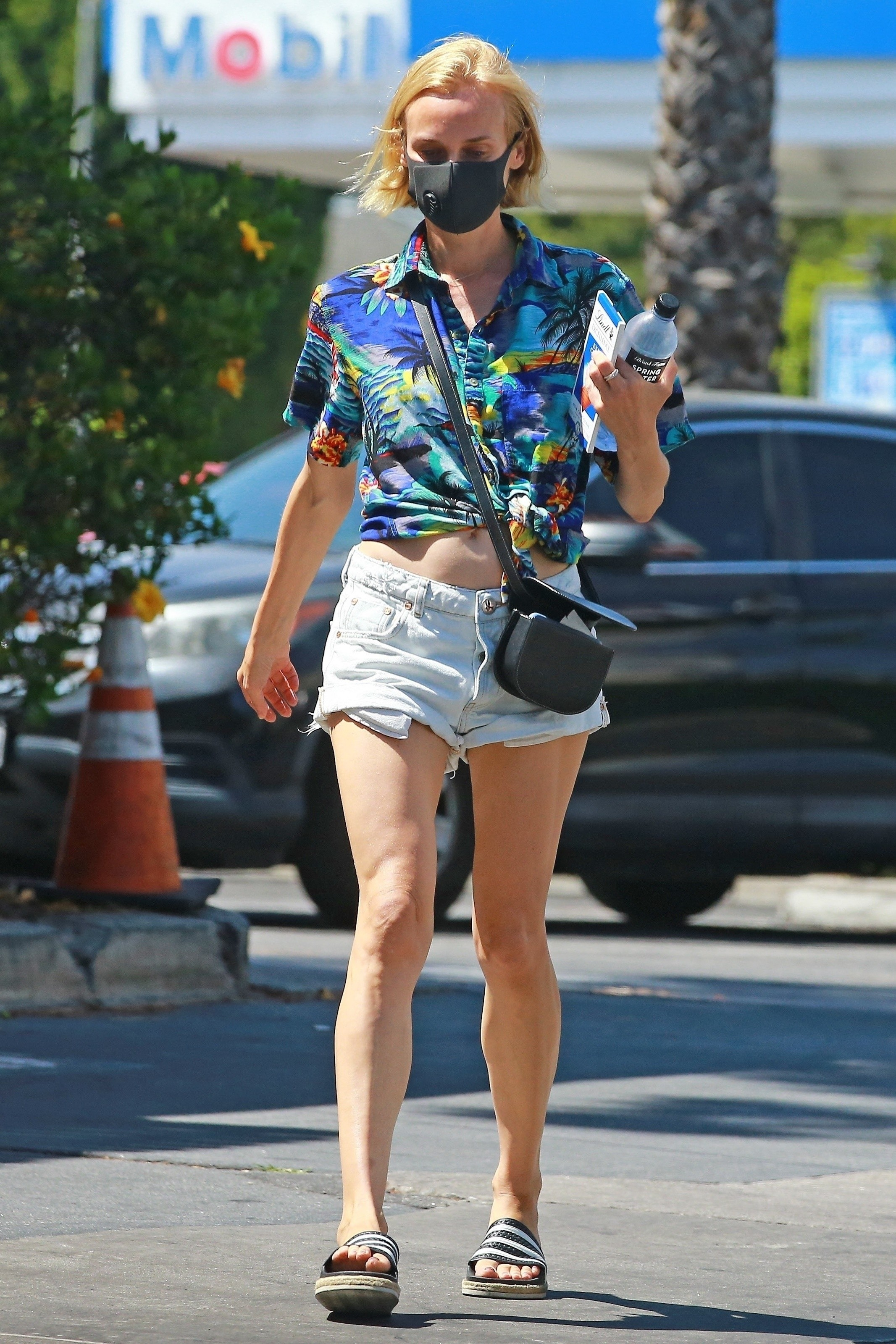 Diane Kruger Leggy, Outside Bristol Farms in Los Angeles