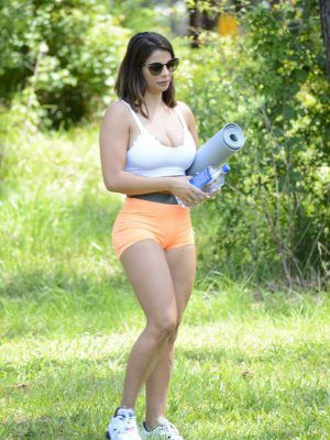 Donna Bella Ass in Tiny Shorts and Sports Bra, Working Out at a Park in Miami