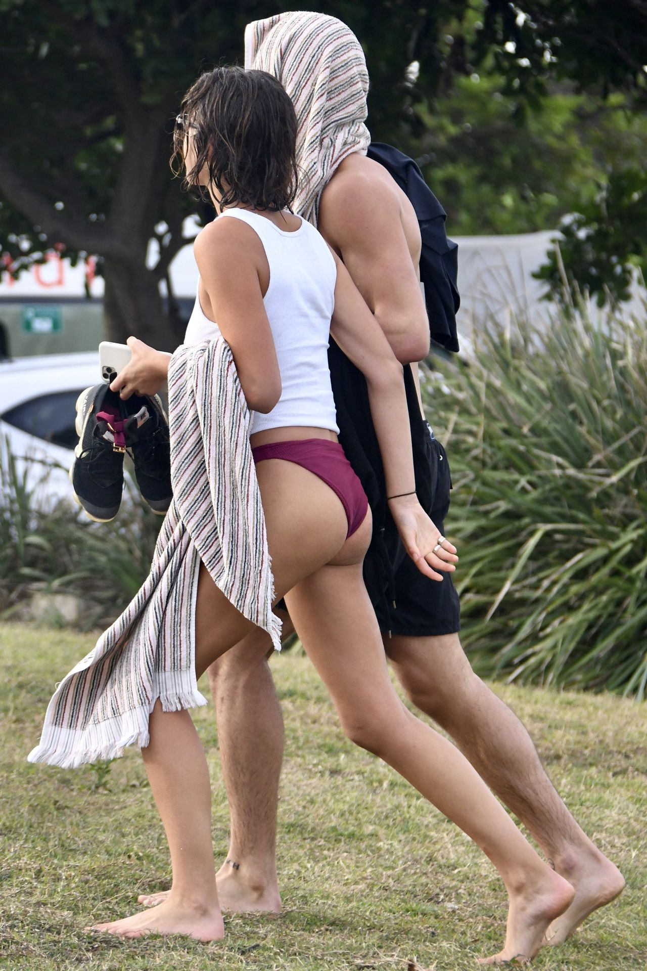 Georgia Fowler Pokies, and Nathan Dalah Were Seen Walking Home