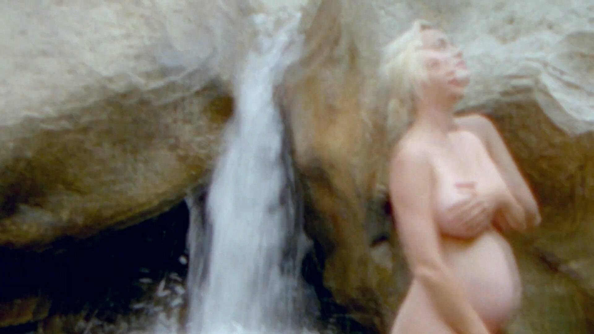 "Katy Perry Pregnant Boobs and Baby Bump in ""Daisies"" Music Video"