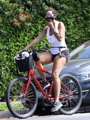 Nicole Murphy Goes for a Bike Ride in Brentwood