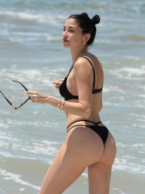 Nicole Williams Ass in Black Bikini on the Beach in Los Angles