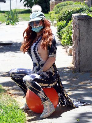 Phoebe Price Falls Off Her Workout Ball in Los Angeles