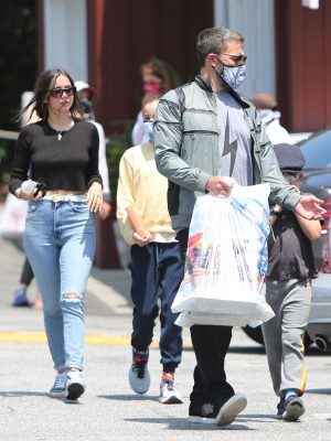 Ana De Armas Braless, Out Shopping in Brentwood, California