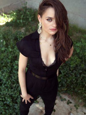 Joey King Cleavage, For Kelly Clarkson Show