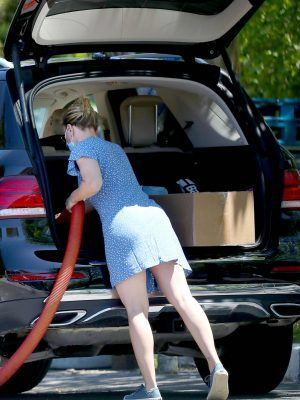 Scarlett Johansson Booty in Blue Dress, Cleaning her SUV in The Hamptons