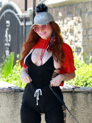 Phoebe Price Wearing a Yoga Outfit in LA