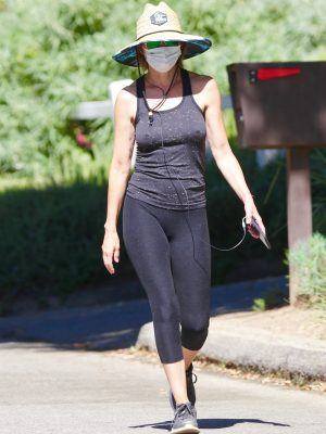 Lisa Rinna Braless Pokies in Studio City