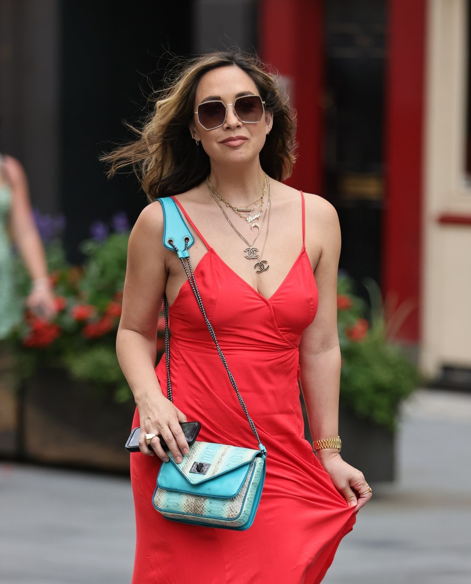 Myleene Klass Pokies, Looks Stunning in a Red Dress