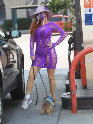 Phoebe Price While Grabbing Some Weed From Medmen Dispensary in Beverly Hills
