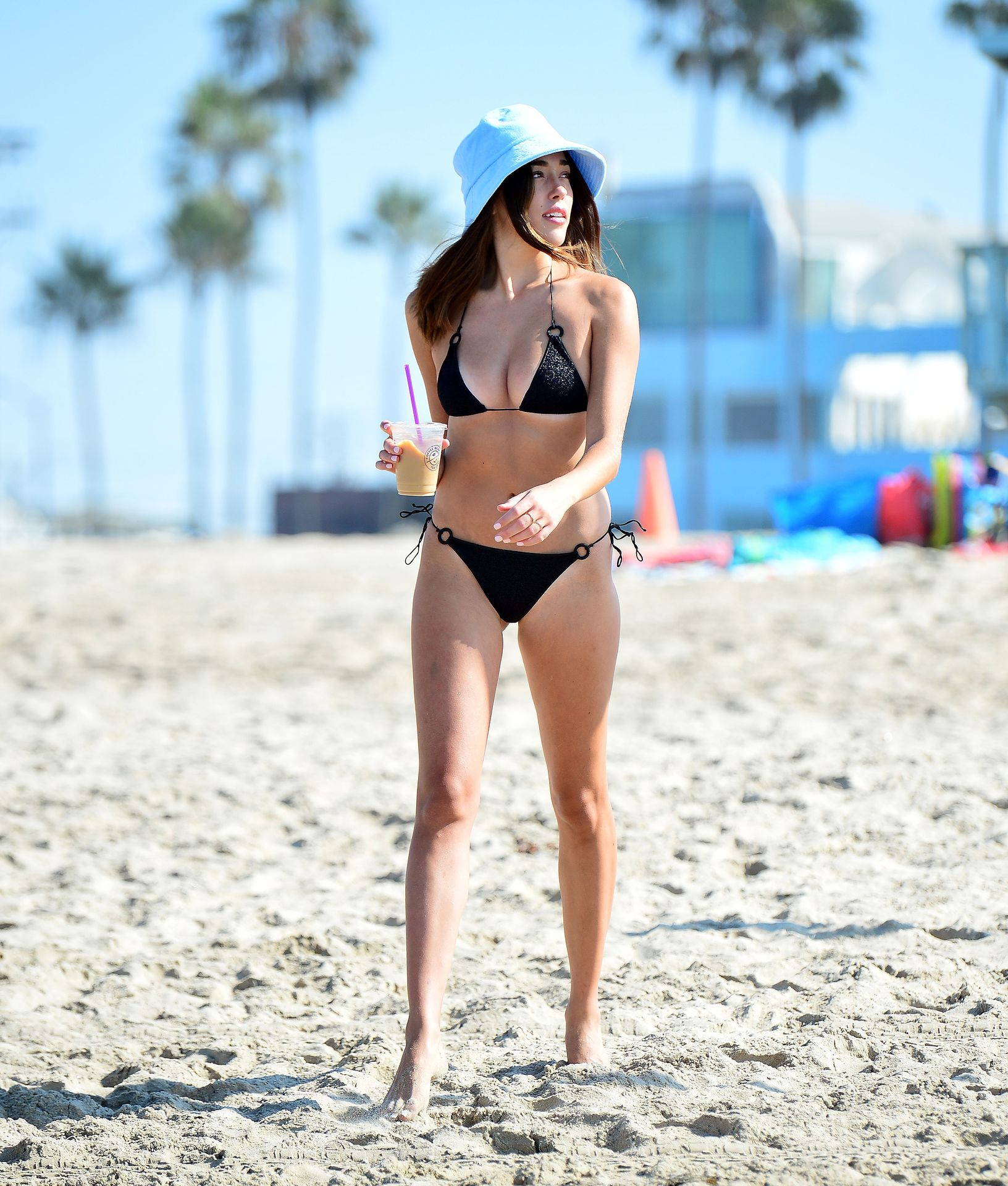Sophia Culpo at the Beach with Friends for a Fun Weekend in LA