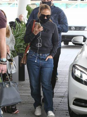 Jennifer Lopez Booty in Jeans while Out with Friends in Miami