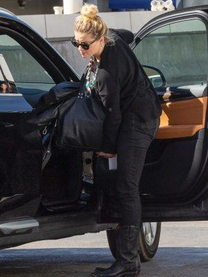 Amber Heard Out with her Girlfriend in Los Angeles