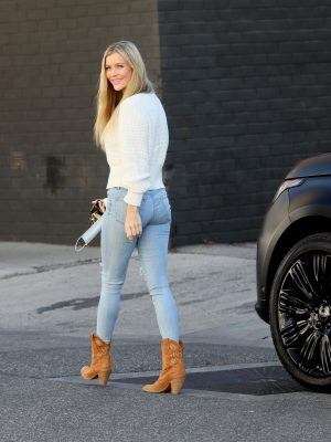 Joanna Krupa Booty in Jeans, Out in Miami