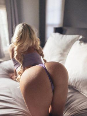 Lindsey Pelas Cleavage and Booty in a Racy Lingerie Photoshoot