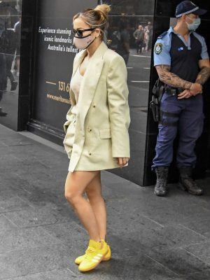 Rita Ora Leggy, Leaving her Hotel in Sydney