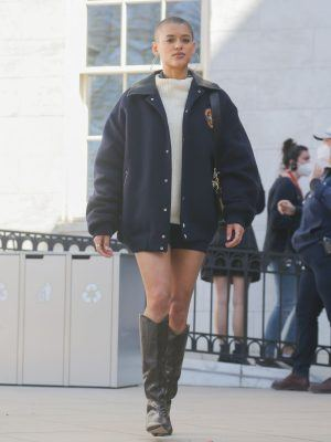 "Jordan Alexander on Set for ""Gossip Girl"" in NYC"